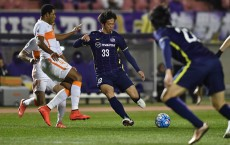 SAITAMA, JAPAN - FEBRUARY 23:  Tsukasa Shiotani of Sanfrecce Hiroshima in action during the AFC Champions League Group F match between Sanfrecce Hiroshima and Shandong Lueng FC at Hiroshima Athletic Stadium on February 23, 2016 in Saitama, Japan.  (Photo by Atsushi Tomura/Getty Images)