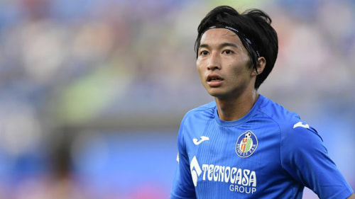 Getafe's Japanese midfielder Gaku Shibasaki looks on during the Spanish league football match Getafe CF vs Sevilla FC at the Coliseum Alfonso Perez stadium in Getafe on August 27, 2017. / AFP PHOTO / JAVIER SORIANO