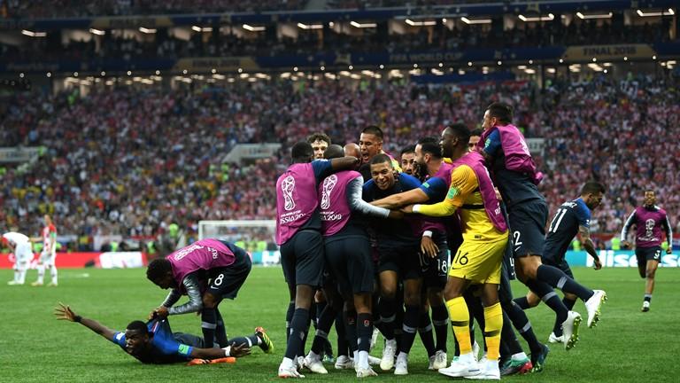 【W杯】フランスがクロアチア下し5大会ぶり2度目の優勝!先制後に追いつかれるもグリーズマン、ポグバ、エムバペのゴールで突き放す