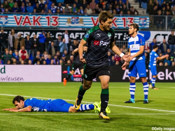 (L-R) Dirk Marcellis of PEC Zwolle, Ritsu Doan of FC Groningen during the Dutch Eredivisie match between PEC Zwolle and FC Groningen at the MAC3Park stadium on September 30, 2017 in Zwolle, The Netherlands(Photo by VI Images via Getty Images)