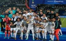 ABU DHABI, UAE - DECEMBER 16: Players of Real Madrid celebrate with the trophy after the 2017 FIFA Club World Cup final match between Real Madrid and Gremio at the Zayed Sports City Stadium in Abu Dhabi, United Arab Emirates on December 16, 2017. (Photo by Stringer/Anadolu Agency/Getty Images)
